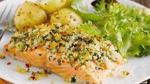 سالاد ماهی و سیب زمینی داغ؛ پیش غذایی پر فسفر