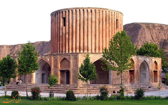 آبشار قره سو و قصر خورشید در کلات نادری مشهد